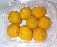 http://www.indianfoodforever.com/images/boondi-ladoo.jpg