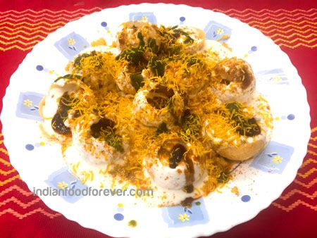 Dahi puri chaat recipe easy dahi ke golgappe calories in dahi puri dahi puri is a popular indian chaat recipe in this dish a small hole is punched in the center of the gogappa making sure it doesnt break and then potato forumfinder Image collections