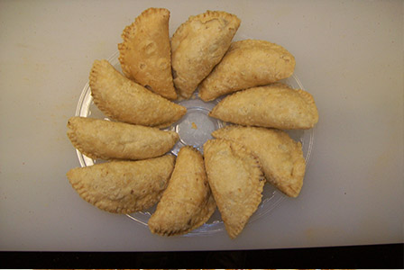 Gujiya recipe how to make gujiya gujiya receipe gujiya recipe gujiya forumfinder Choice Image